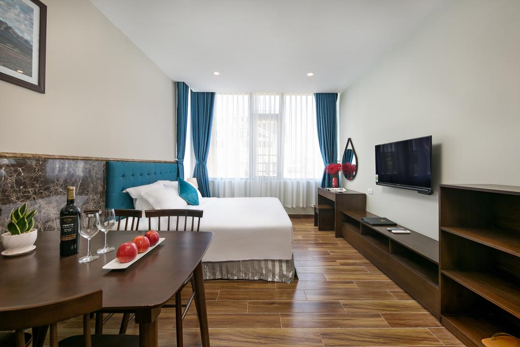 Celina Hotel & Apartment